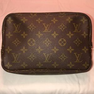 Louis Vuitton Vintage 23 Trousse